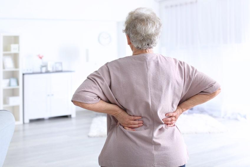 Остеохондроз между лопаток симптомы и лечение